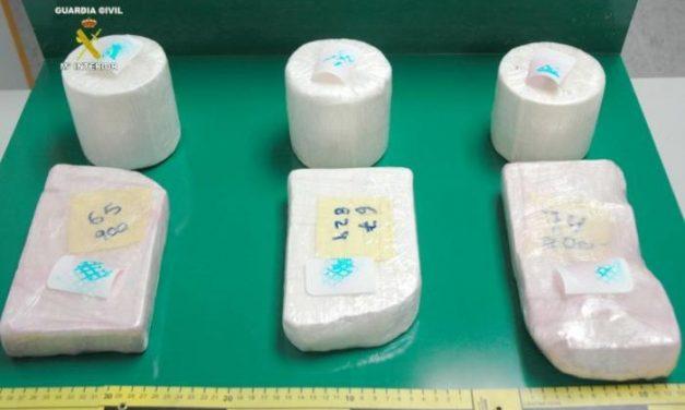 La Guardia Civil incauta cinco kilos y medio de cocaína que tenían como destino Plasencia