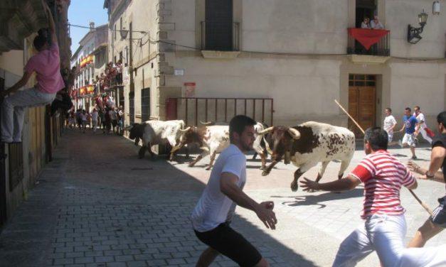 El toro de la Juventud Cauriense protagoniza el segundo encierro más rápido de San Juan 2013