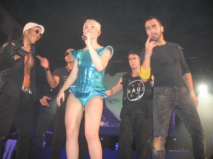 Éxito rotundo de público en el concierto que las artista cacereña Soraya Arnelas dio anoche en Coria