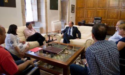 La nueva directiva de UGT Extremadura demanda a Monago la creación de mesas de empleo
