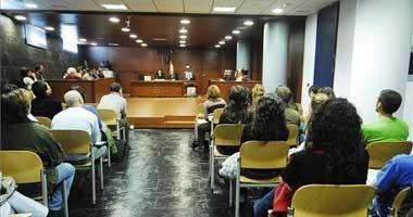 Los jueces amenazan también con una huelga nacional indefinida por su congelación salarial