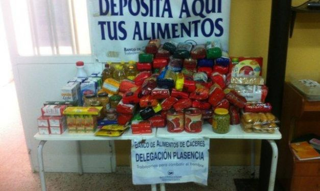 La Asociación de Vecinos Río Jerte dona 200 kilos de comida al Banco de Alimentos de Plasencia