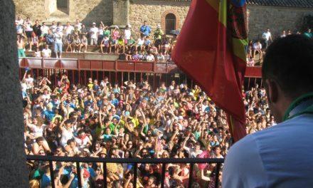 Cerca de mil personas aclaman al Dj Carlos Chaparro durante el pregón de San Buenaventura