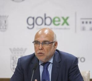 Extremadura estudia presentar un recurso de inconstitucionalidad al decreto del sistema eléctrico