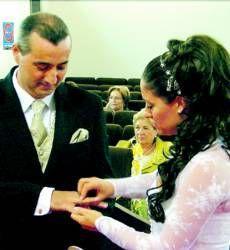 El número de parejas que se casa por el ayuntamiento se mantiene en los últimos tres años en Almendralejo