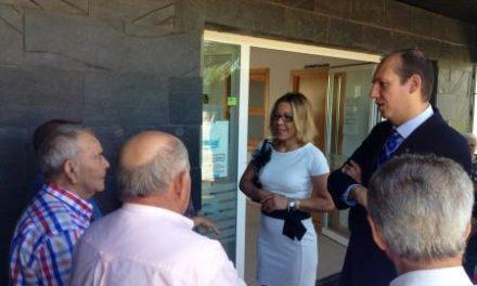 Carrón resalta el papel que desempeñará el nuevo centro para los mayores de Santibáñez El Bajo