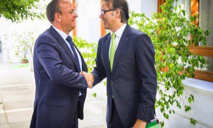 Monago negociará con Fomento la permuta de vías para conseguir el arreglo de Martín Palomino