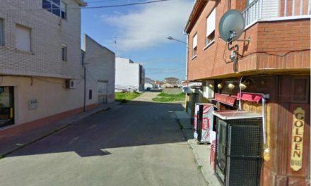 El Ayuntamiento de Moraleja cambia el nombre de una sección de la Calle San Blas por calle Travesía Jardines