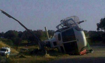 Dos brigadistas del Infoex de Valencia de Alcántara heridos leves al volcar un helicóptero que despegaba en Pallares