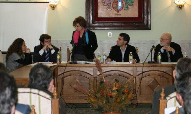 Amhyco solicita a la consejera de Economía el apoyo en la comercialización del mueble extremeño
