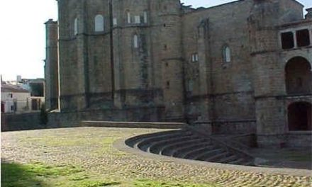 El festival de Teatro Clásico de Alcántara ofrece un curso de iniciación al teatro y una mesa redonda