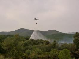 Unos 150 vecinos de Las Hurdes siguen en alerta por el incendio de Pinofranqueado