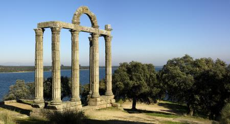 La Consejería de Educación y Cultura iniciará un proyecto de preservación en el yacimiento de Augustóbriga
