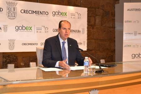 Más de 2.974 solitudes para obtener la renta básica se han registrado en agosto en Extremadura
