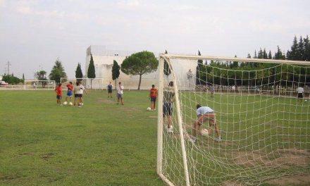 El Ayuntamiento de la localidad  de  Moraleja organiza las ligas de fútbol y pádel