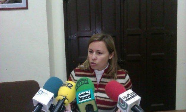 La edil regionalista de Plasencia, Mónica García, formará el grupo no adscrito tras la separación del PSOE