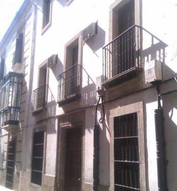 Plasencia negocia con Interior la cesión de la comisaría para convertirla en archivo municipal