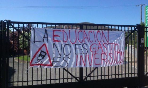 La comunidad educativa demanda la continuidad de la residencia de estudiantes de Caminomorisco