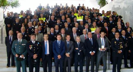 Nevado Batalla asiste al primer acto de imposición de medallas de la Policía Local de la Badajoz
