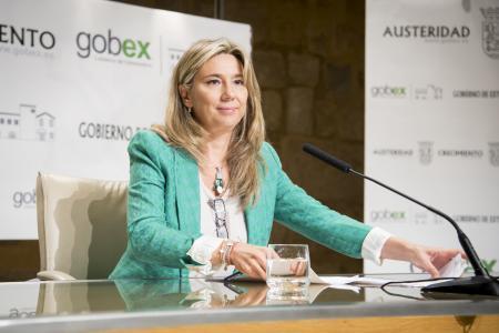 El Gobierno extremeño interpondrá un recurso de inconstitucionalidad contra el decreto de las renovables