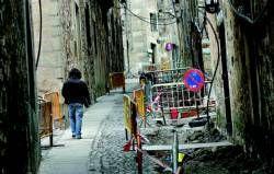 Los trabajos en la calle Ancha de la ciudad de Cáceres se reanuda tras el hallazgo de restos humanos