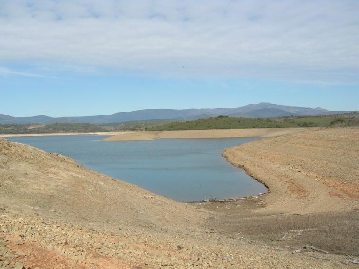 Moraleja pide a los ciudadanos que hagan un uso racional del agua de la presa Rivera de Gata