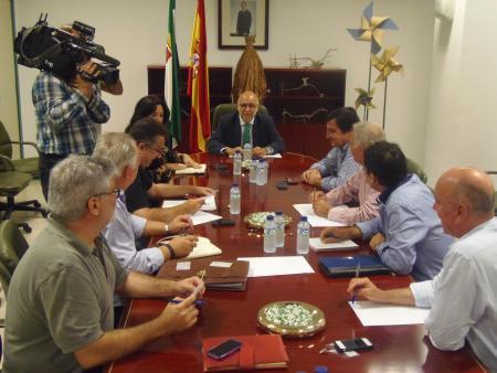 El Gobierno regional pide a Cetarsa un esfuerzo para garantizar unos precios mayores para los tabaqueros