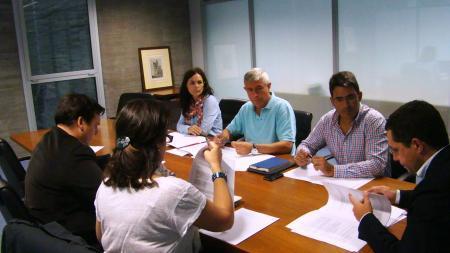 Gobierno de Extremadura y Cruz Roja evalúan el convenio de colaboración en materia de emergencias