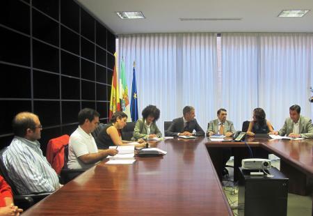 El Gobierno regional acuerda con representantes sindicales y afectados por la silicosis la constitución de una comisión