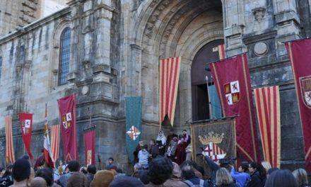 Plasencia revive su pasado medieval con el rodaje de la serie «Isabel» recreando el atentado contra el monarca