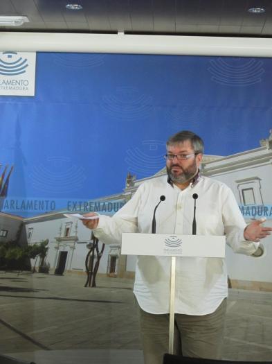 IU denuncia el engaño del gobierno con el decreto de becas complementarias porque limita la financiación