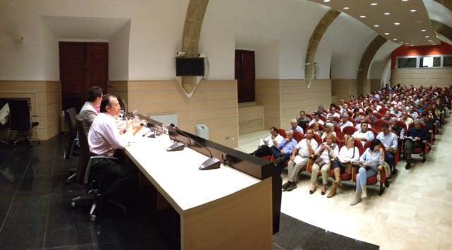 La Diputación de Cáceres presenta a los alcaldes por primera vez un plan bianual de inversiones de 37 millones