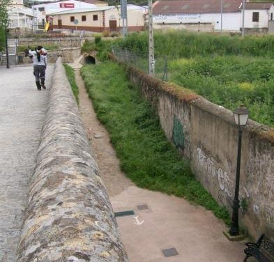 El Ayuntamiento de Plasencia acondicionará el paso existente junto al Puente Nuevo