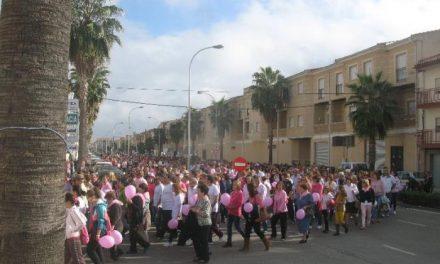 Alrededor de mil personas participan en la marcha contra el cáncer de mama de Moraleja