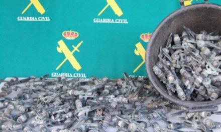La Guardia Civil detiene a dos personas implicadas en el hurto de 157 aspersores de cobre en Navalmoral