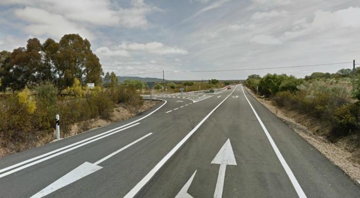 Dos personas de 79 y 77 años pierden la vida en un accidente de tráfico en Valencia de Alcántara