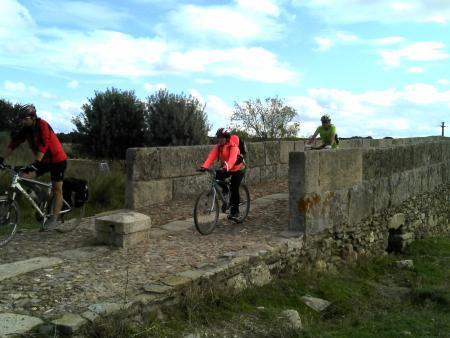 """La jornada regional """"Ciclo ruta Vía de la Plata"""" acerca la actividad deportiva en la naturaleza al profesorado"""