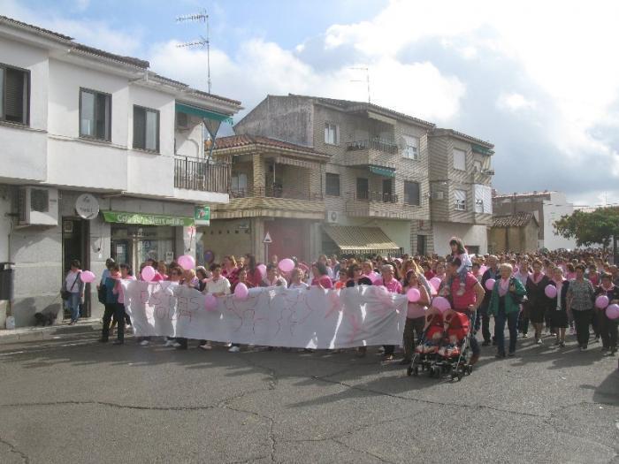 Moraleja dona cerca de mil euros a la Asociación Oncológica de Extremadura de Coria