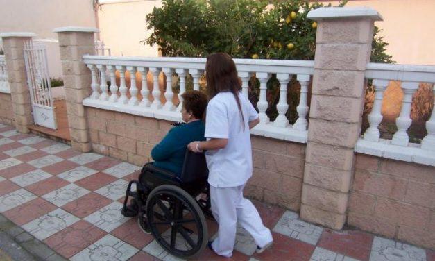 Valencia de Alcántara mantendrá el servicio de atención a personas dependientes hasta 2014