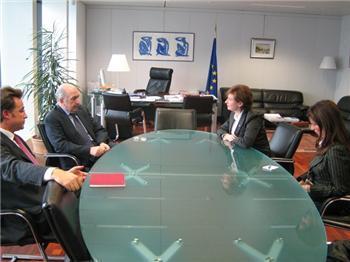 La consejera Dolores Aguilar presenta en Bruselas la realidad económica y social de Extremadura