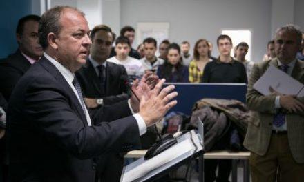 Monago asegura que Extremadura garantiza ventajas competitivas que otras regiones no ofrecen