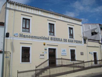 Mancomunidad Sierra de San Pedro aprueba la solicitud de ayudas para mantener varios de sus servicios