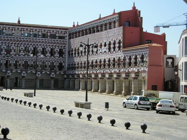 La policía de Badajoz detiene a dos personas de Portugal por robar en ocho establecimientos del centro