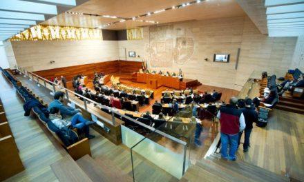 La Asamblea de Extremadura aprueba la Ley de Medidas Tributarias tras el rechazo de 18 de las 20 enmiendas