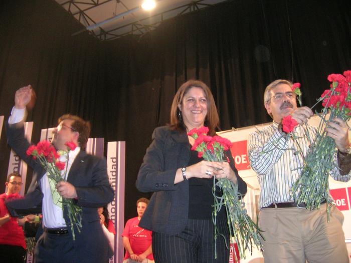 María Antonia Trujillo defiende en Coria el voto para el PSOE para alcanzar el pleno empleo en España