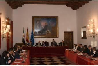 La Diputación de Cáceres aprueba las cuentas para el año 2014 dotadas con 115,5 millones de euros