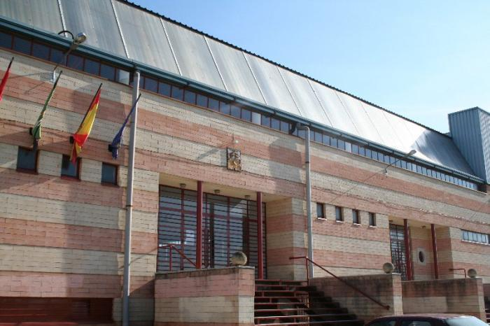 Las obras de renovación del suelo del pabellón de Moraleja estarán finalizadas en enero