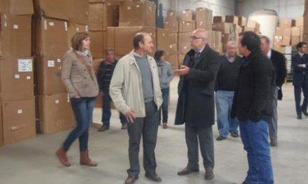 Echávarri visita Riolobos y destaca las inversiones por 16 millones de euros en la comarca del Alagón