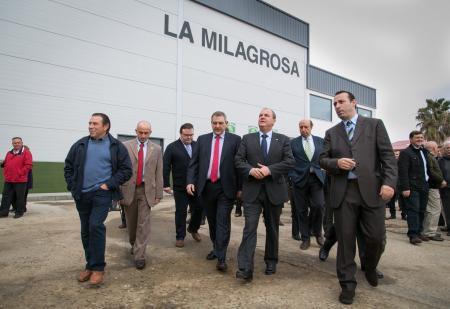 Monago aboga por la integración de cooperativas para solucionar los problemas del sector