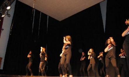 El grupo de baile funky de Valencia de Alcántara repetirá su actuación tras el éxito del pasado viernes